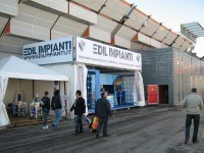 Struttura porta grafica per stand Edil Impianti a Bologna Fiere